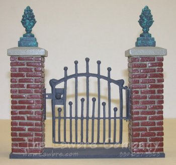 0452 - (B) Brick & ''Iron'' Gate Unit with Pineapple Decorations