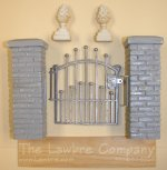 0453 - Brick & ''Iron'' Gate Unit Kit, Unpainted w/Pineapples