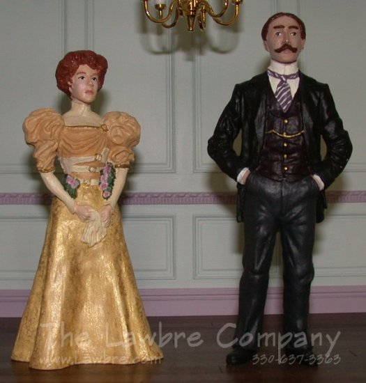 AE832 - Victorian Couple - Click Image to Close